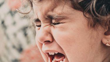 Temperamentvol kind dat huilt