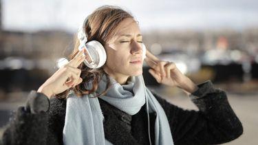 Mentale problemen / Meisje luistert muziek