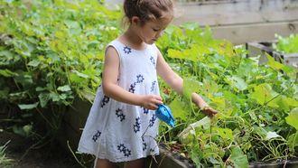 Met je kind tuinieren