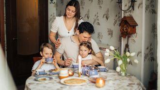 opvoedgewoontes / gezin aan eettafel