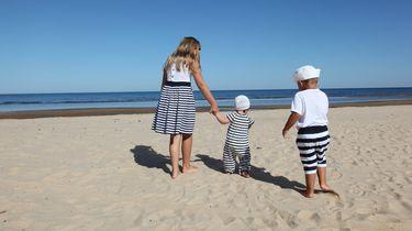 zonnebrand kinderen op het strand