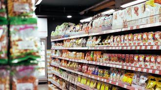 Ongezonde aankopen / Schap in supermarkt