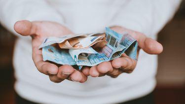 zakgeld / geld in handen
